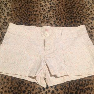 🌼🌸Light Cream Floral Summer Shorts 🌸🌼